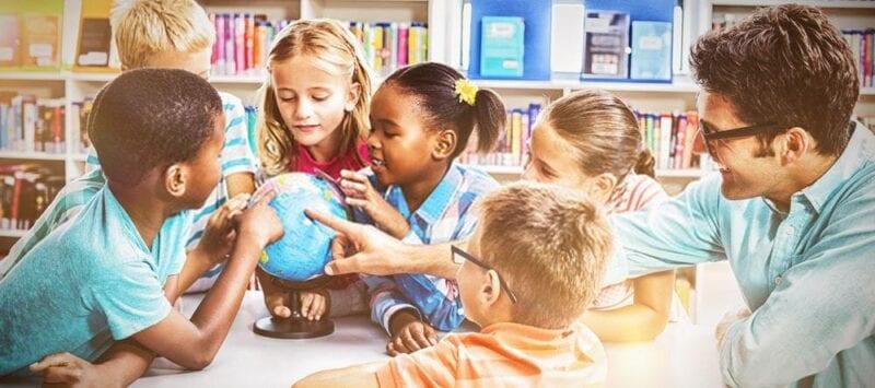 Conciencia del entorno social mientras se aprende